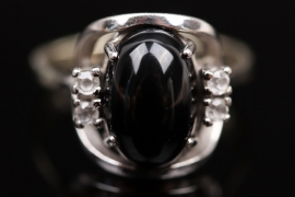 Art Déco onyx and diamond ring