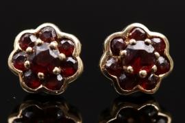 Red garnet flower shaped ear studs