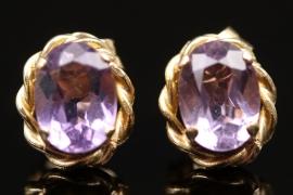 Ear studs with light violet gemstone
