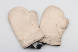 Unissued RAD working gloves