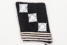 Waffen-SS collar tab - SS-Hauptsturmführer
