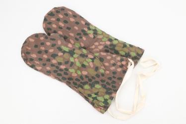 Waffen-SS camo reversible winter mittens