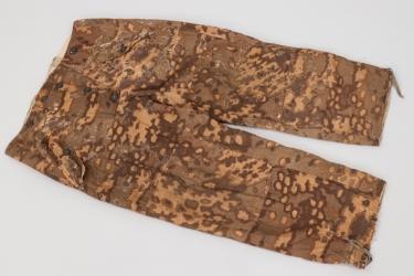 Waffen-SS reversible winter trousers - oak leaf (autumn)