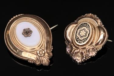 Zwei Broschen aus Schaumgold