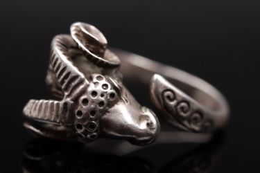 Ram head silver ring