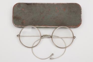 Imperial Germany - glasses in fieldgrey case