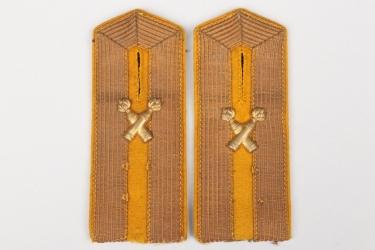 Imperial Germany - Fußartillerie deputy officer's shoulder boards