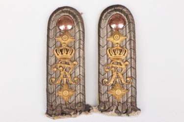 Prussia - Grenadier-Reg. Nr. 5 shoulder boards for a Hauptmann