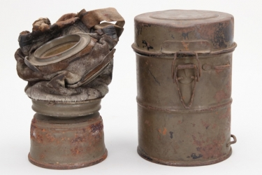 Imperial Germany - M17 gas mask in can