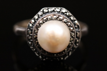 Art Déco style pearl ring