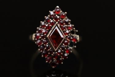 Vintage garnet ring