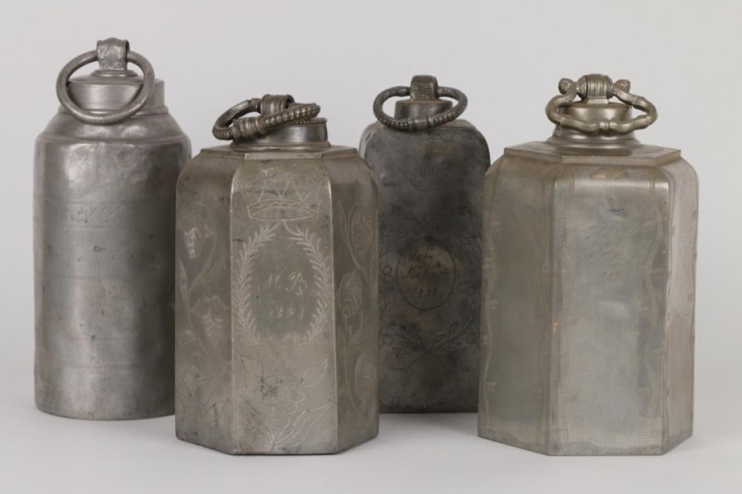 Vier Schraubflaschen aus Zinn, süddeutsch, 19. Jh.