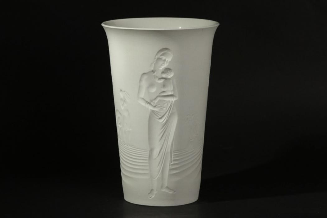 """Third Reich KPM flower vase """"Ernte"""""""