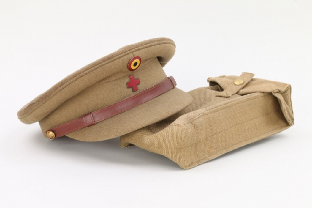 Belgian visor cap + British bag