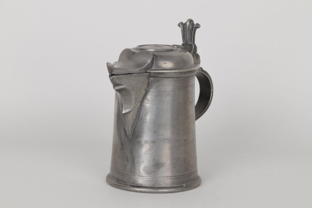 Schnabelkanne aus Zinn, Wels um 1760