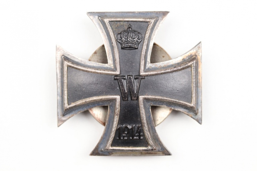 1914 Iron Cross 1st Class on screw-back - 900