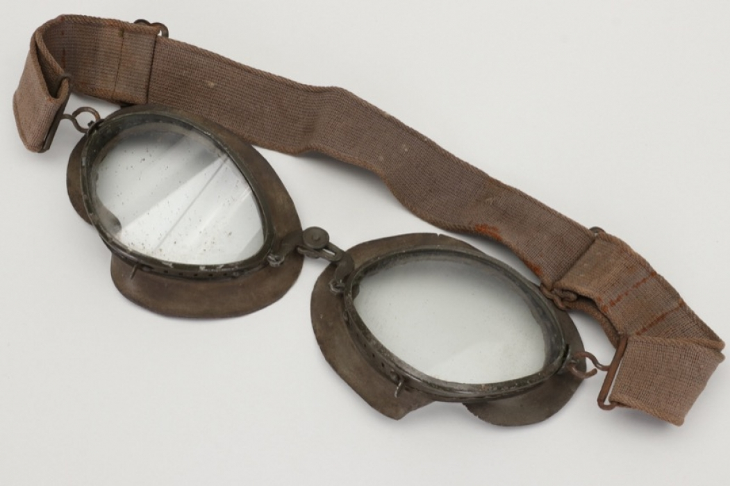 Luftwaffe pilot's flying goggles