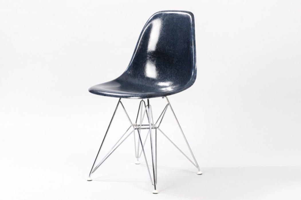 Navy Blue Fiberglas DSR Chair // Charles and Ray Eames