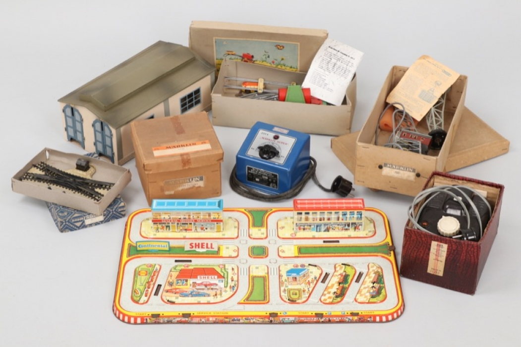 Konvolut Eisenbahn & Spielzeug