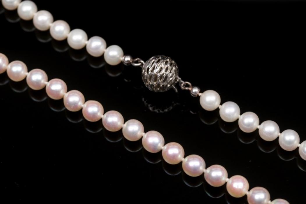 Perlenkette mit Gold-Schmuckverschluss