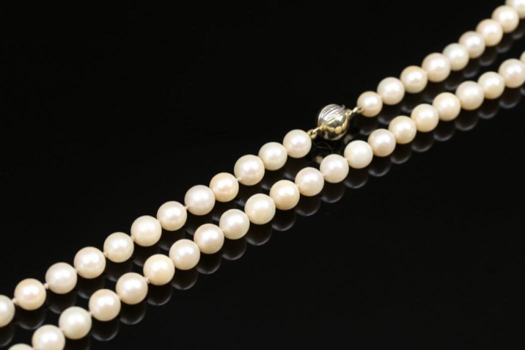 Perlenkette mit Goldverschluss
