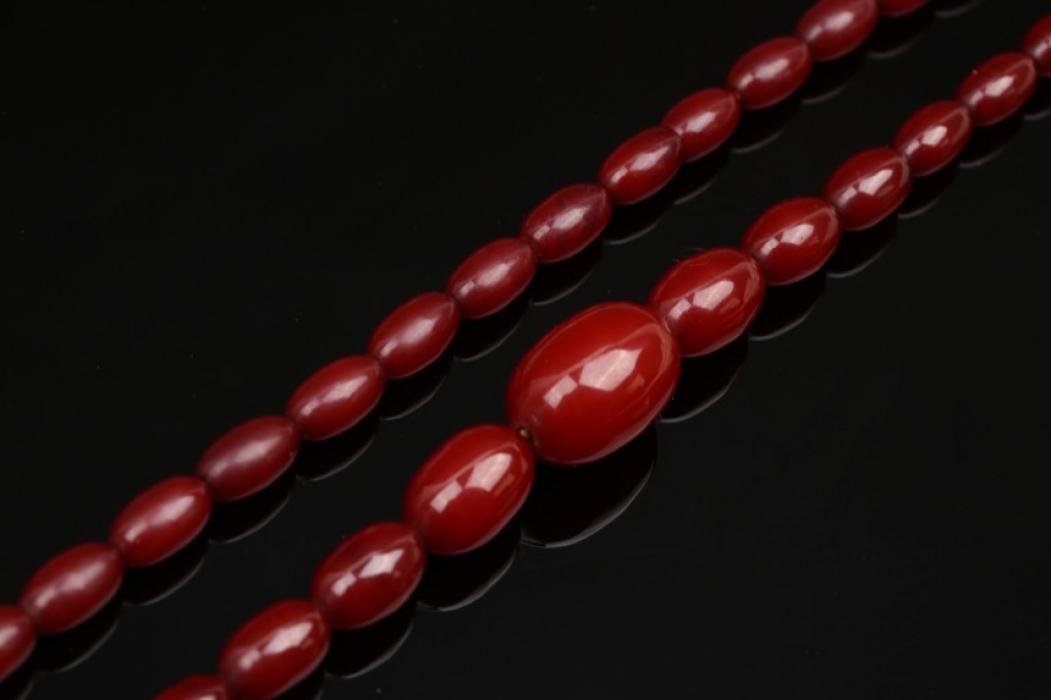 Braun-rote Bernsteinkette