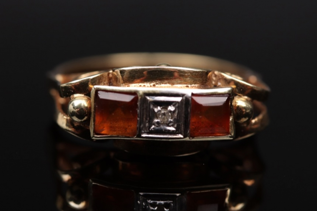Antique golden ring with citrine and diamond