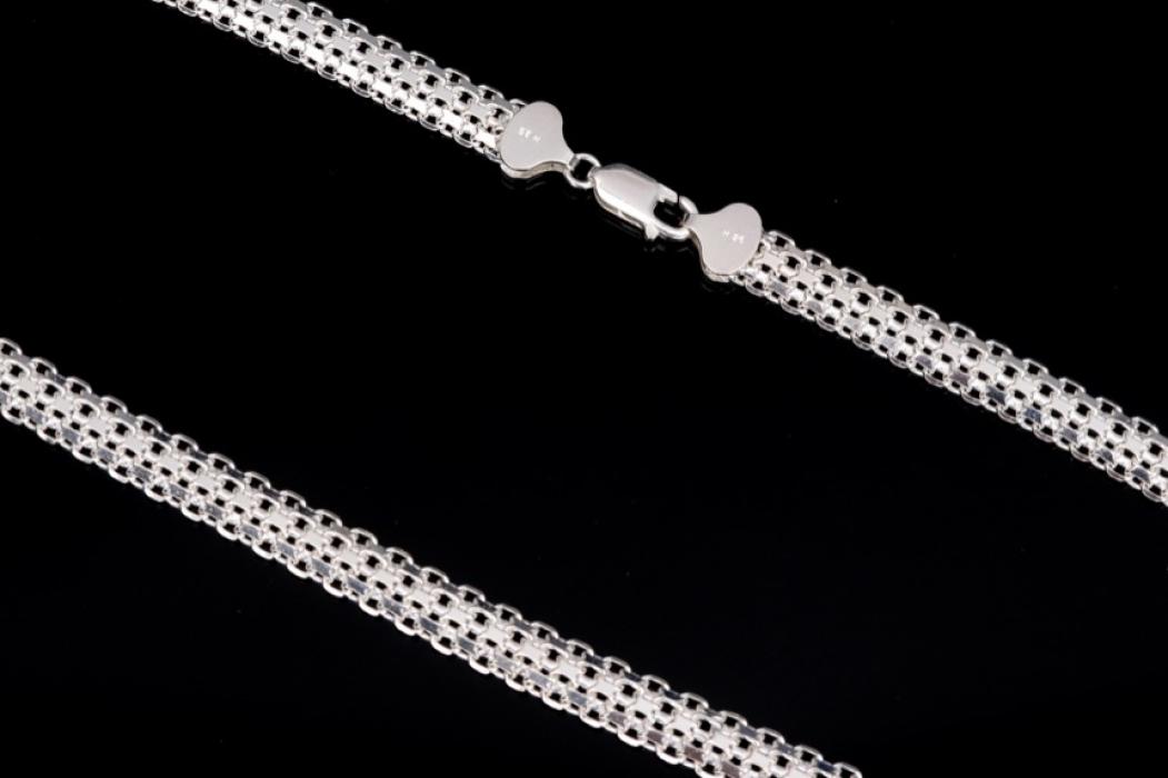 Elegant Italian silver necklace