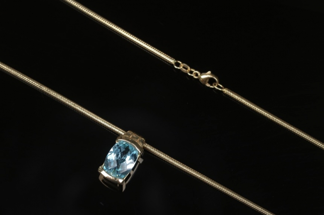 Gold plated silver necklace and pendant with topaz