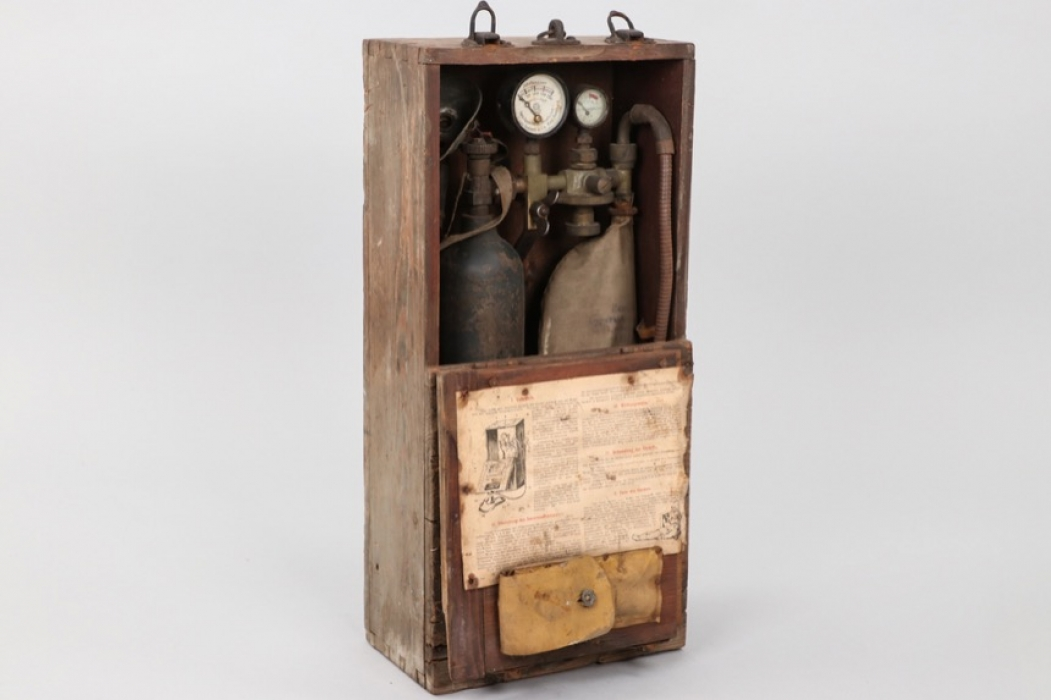 """Imperial Germany - """"Truppen-Sauerstoff-Einatmungsgerät"""" oxygen apparatus in case"""
