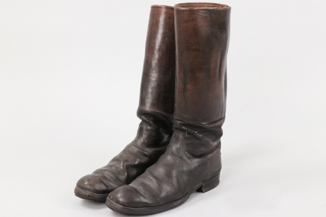 Wehrmacht officer's boots + shoe trees