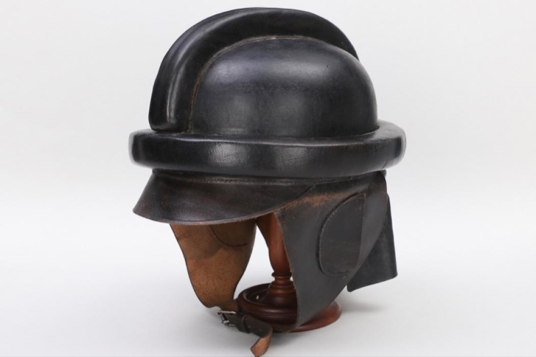 Imperial Germany - M1913 pilot's crash helmet (Döberitz 1917)