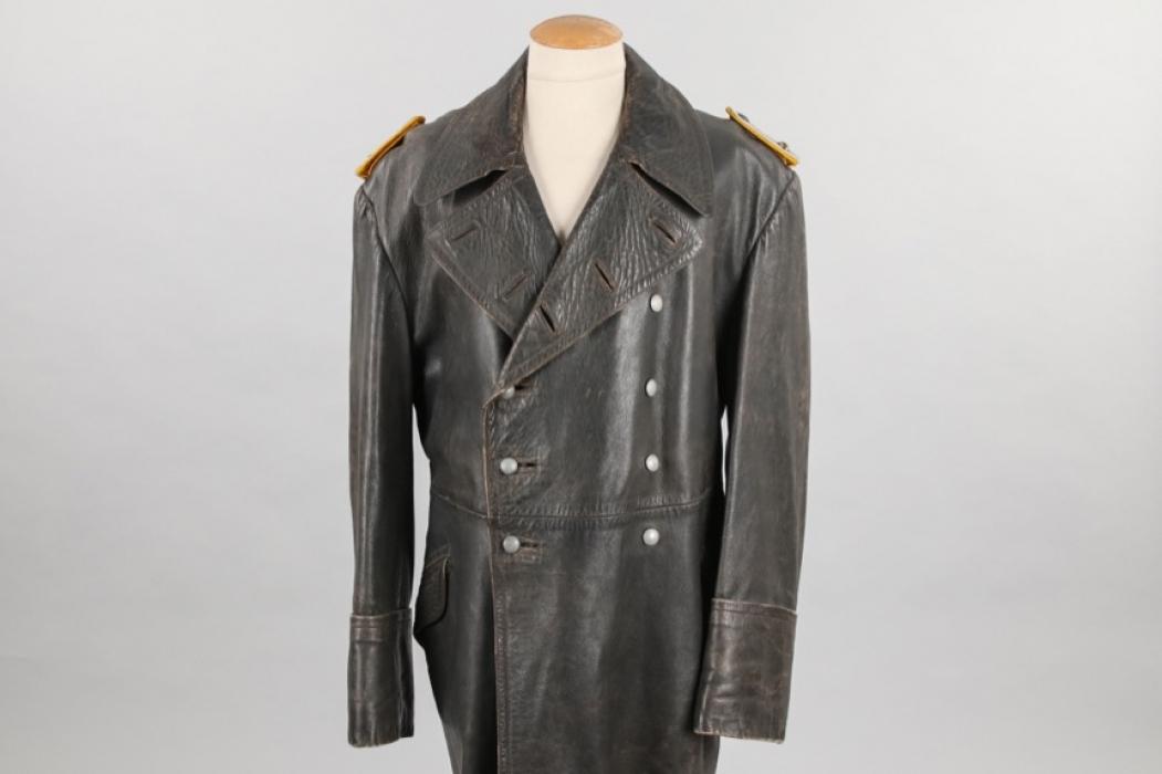 Luftwaffe flying troops officer's leather coat - Oberleutnant