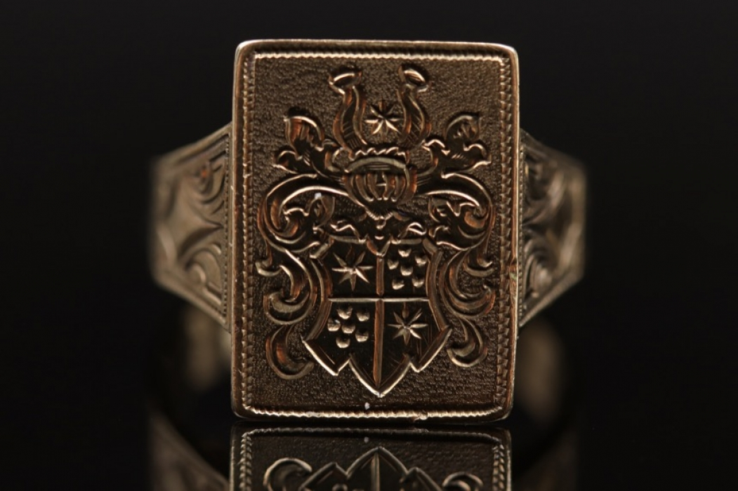 Signet ring with personal engraving