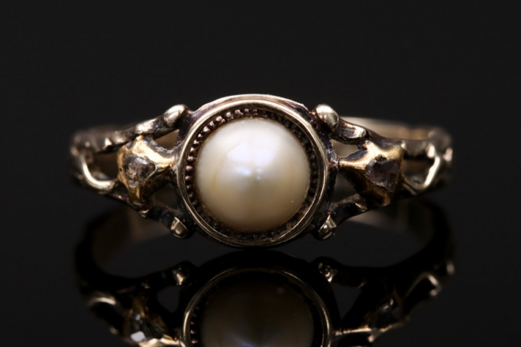 Pearl and diamond Jugendstil ring
