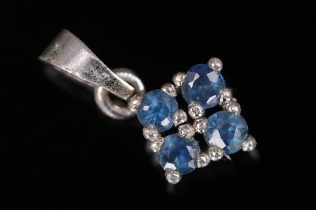 Delicate vintage sapphire necklace pendant