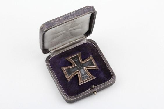 1914 Iron Cross 1st Class 800 silver in unusual case