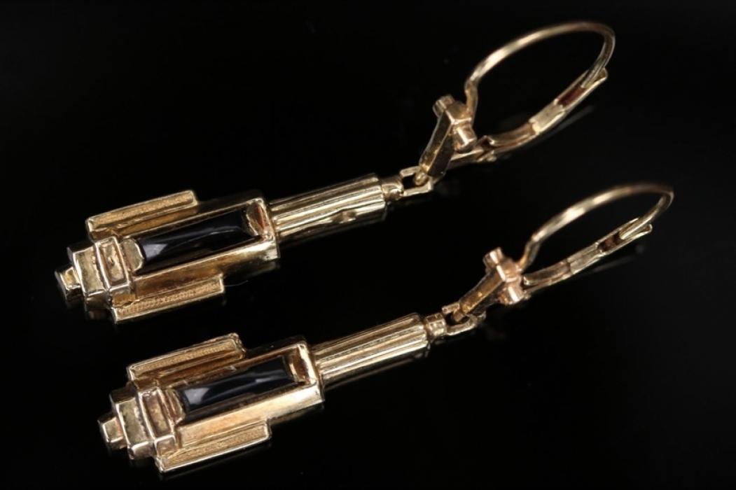 Art Déco style earrings