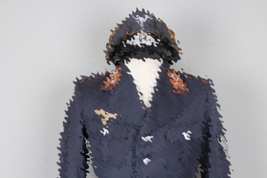Luftwaffe Signals tunic & visor cap for an Obgfr.