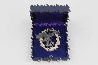 Luftwaffe Observer Badge in case JUNCKER (flat wreath)