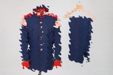 Bavarian uniform grouping to a musician