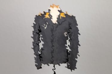 Luftwaffe officer's flight blouse to an observer