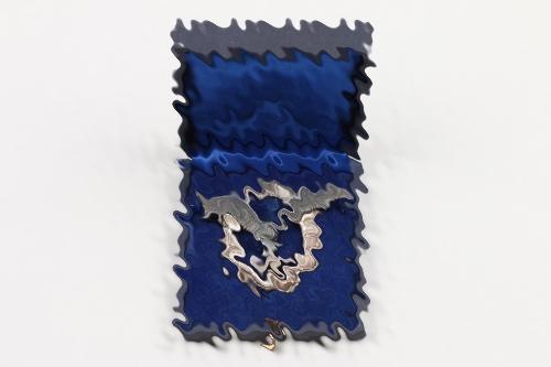 Luftwaffe Pilot's Badge (Assmann, flat wreath) in case