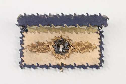 Squadron Clasp for Kampfflieger in gold + case