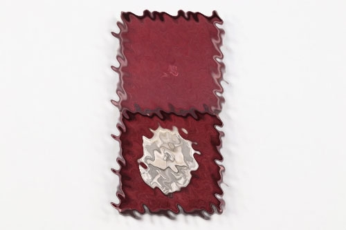 Wound Badge in silver with case - 100
