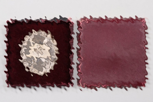 Wound Badge in silver (65) in case