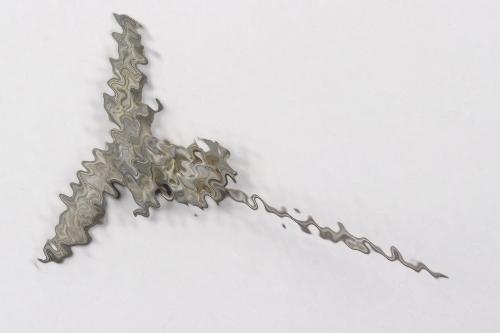 Luftwaffe Flak Helper's civilian pin