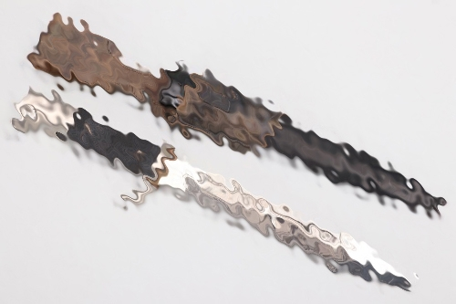 Luftwaffe etched parade bayonet with frog