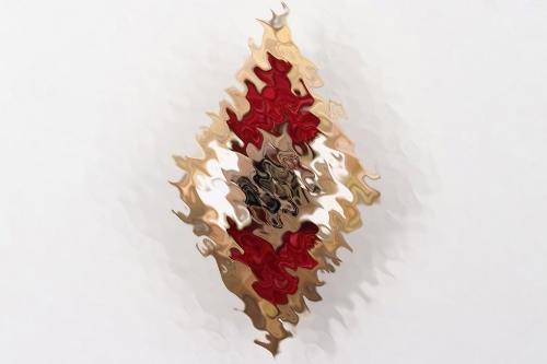 HJ membership badge in gold
