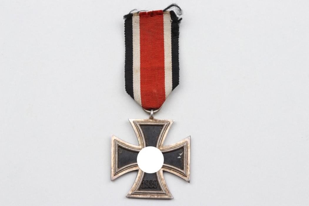"1939 Iron Cross 2nd Class ""round 3"""